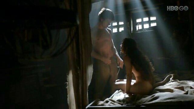 جیانا مایکل صورتش را عکسهای سکسی الکسیس گچ می کند