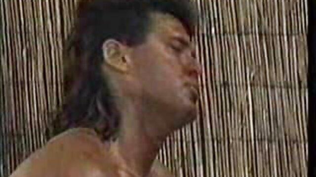 اشلی 18 ساله کاملا عکس الکسیس در حال سکس تابو در برابر مادرش گناه می کند تا پدر را راضی کند