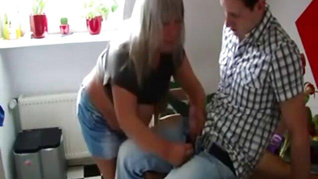 نوار بچه سکسی و انگشتان گربه عکس سکسی الکسیس جدید تراشیده خود را