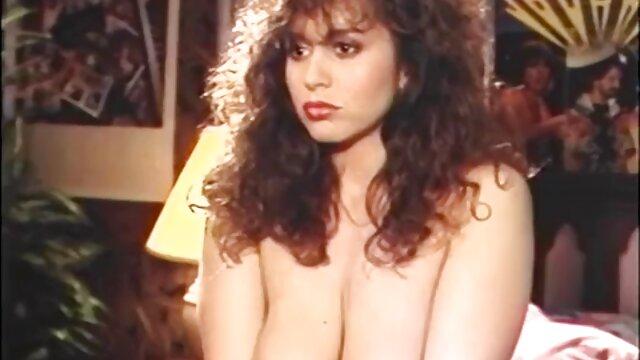 لیزا دانیلز سکسی ترین عکس های الکسیس روز دختر با زوئی هالووی