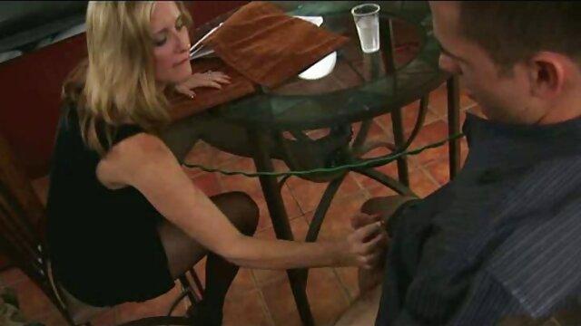 دختر لاغر عضو تصاویر سکسی الکسیس تگزاس را اداره می کند